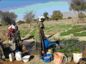 Bei Gesti Africa Pozzi Sotto i piedi all'Acqua MAGIS