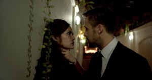 Cinema Solo Dio perdona rhatha-phongam-in-un-faccia-a-faccia-con-ryan-gosling-in-una-scena-di-only-god-forgives-275111