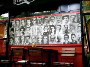 02 Pe  Balcani La dissoluzione di una federazione Sarajevo Bar Tito caffe-tito 1
