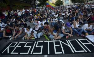 02 OlO Dalla A alla V l'insofferenza di un Continente scontri-venezuela-4