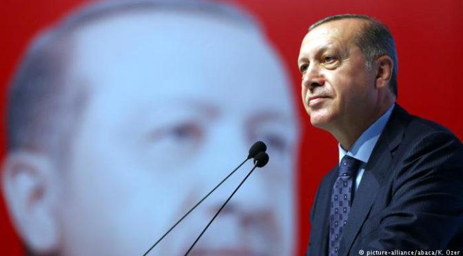 La Turchia si libera dell'emergenza, non dell'ingerenza